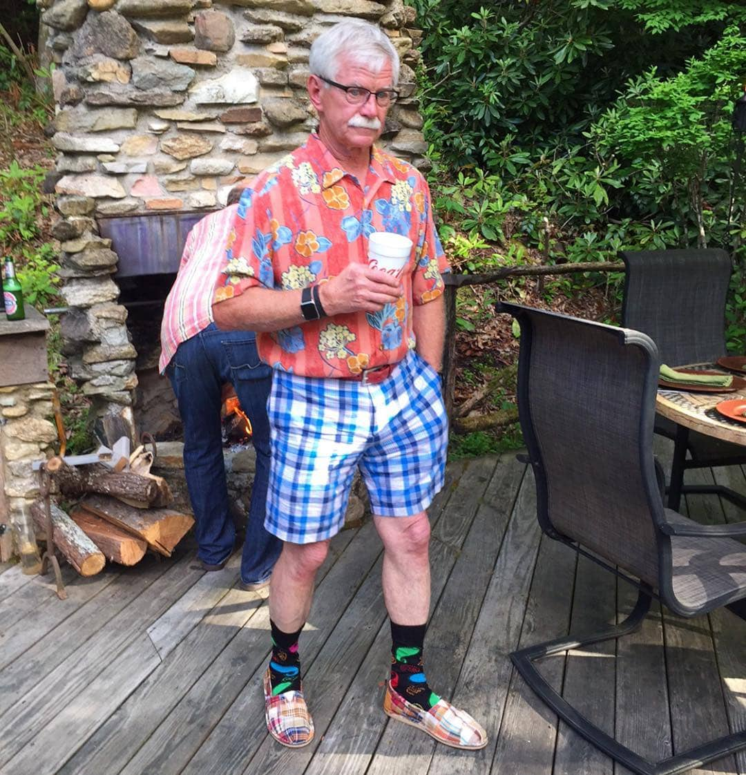 Весёлые отцы, которые знают толк в эффектных костюмах