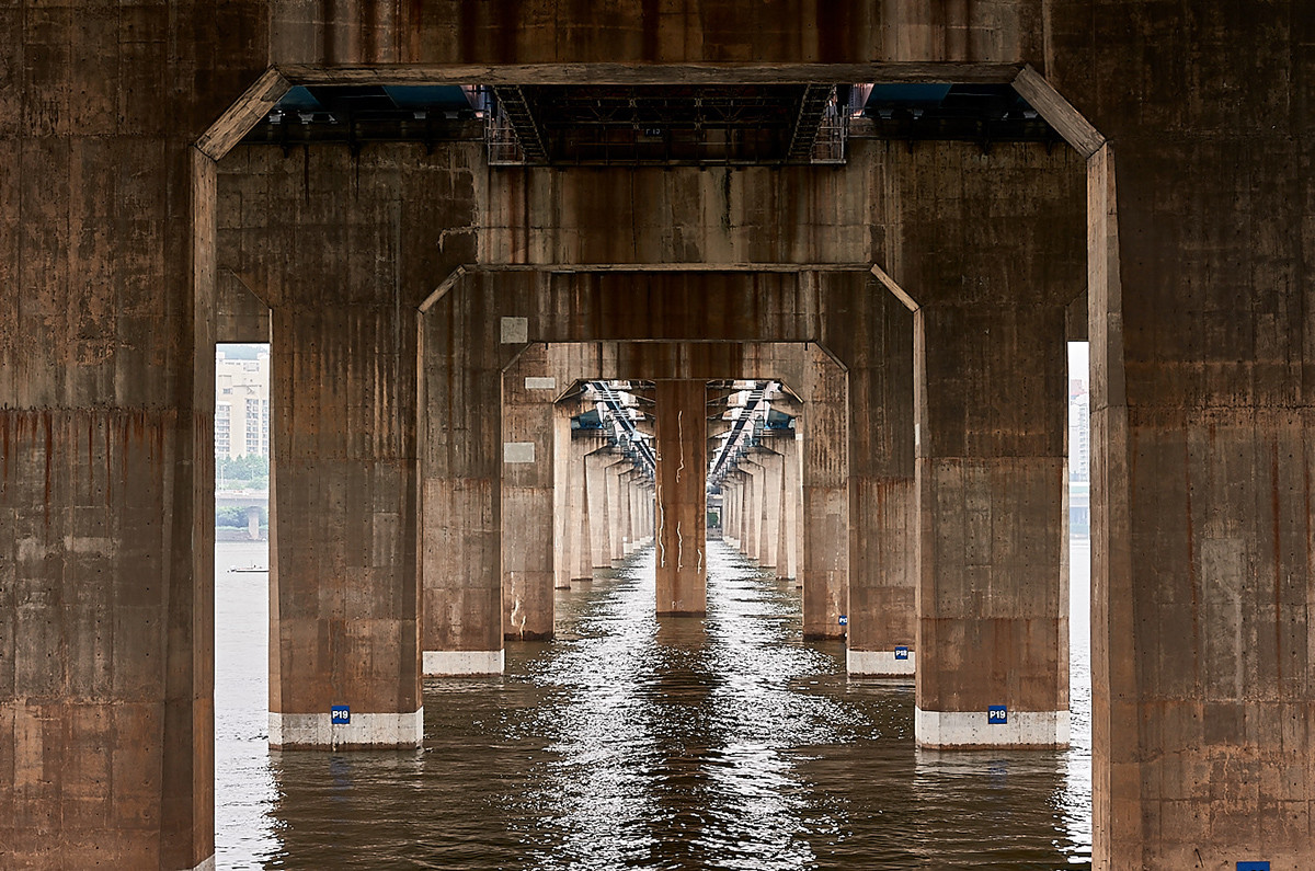 «Сеульские мосты» как оптические иллюзии на снимках