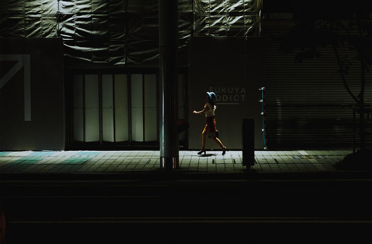 Колорит японских улиц на снимках Омара Эссама