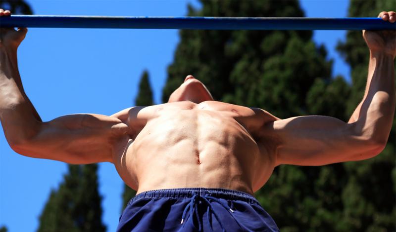 Три упражнения, которые сделают плечи сильными