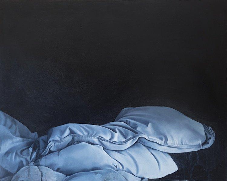 Незаправленные кровати на масляных картинах Стефани Серпик