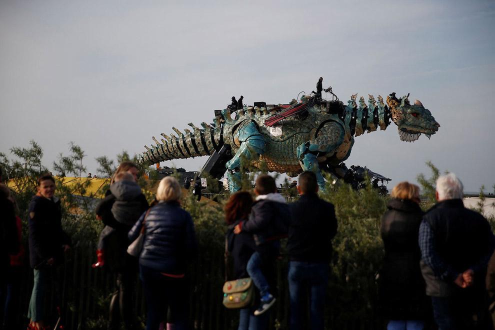 Театр La Machine - дракон во Франции