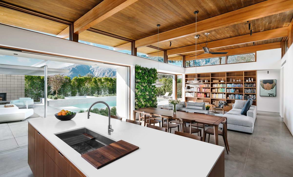 Эффектный модернистский дом в Палм-Спрингс