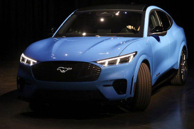 Ford анонсировал электрокар Mustang Mach-E