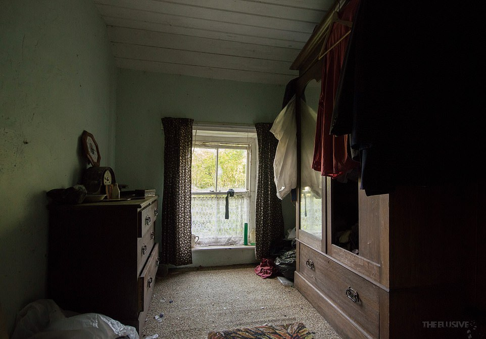 Заброшенный коттедж в сельской местности Уэльса