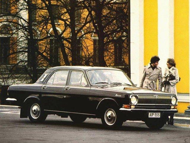 Красивые рекламные плакаты с советскими автомобилями