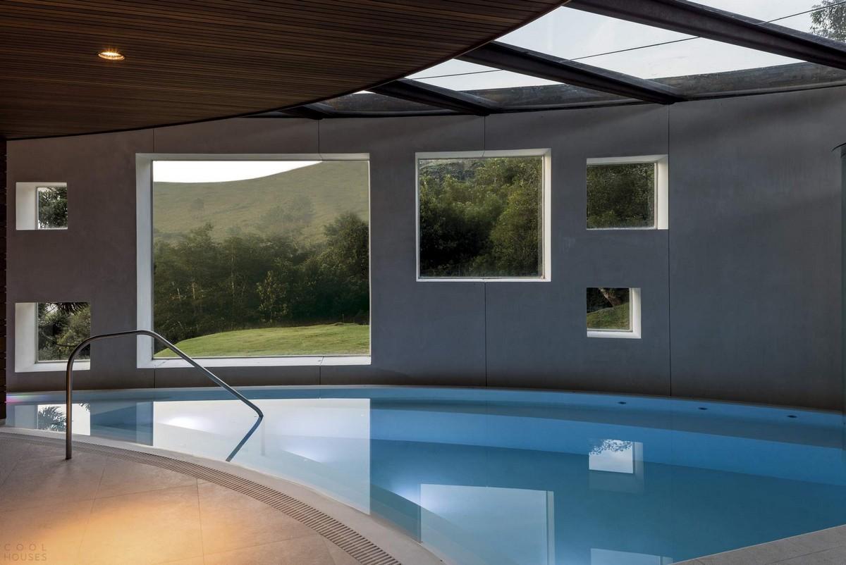 Резиденция с эллиптическим дизайном в Бразилии