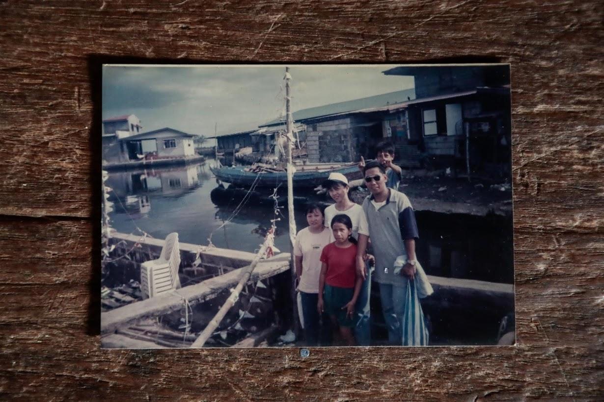 Филиппинская деревня медленно уходит под воду
