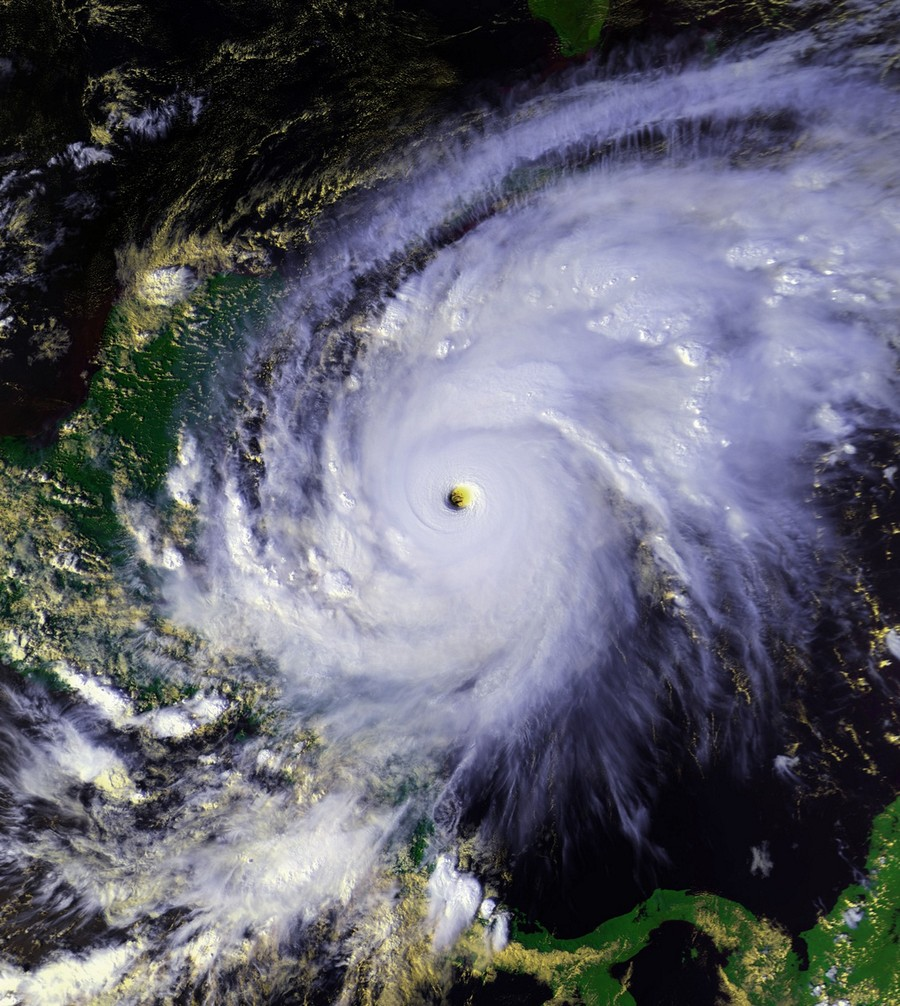 Самые разрушительные ураганы за последние 20 лет