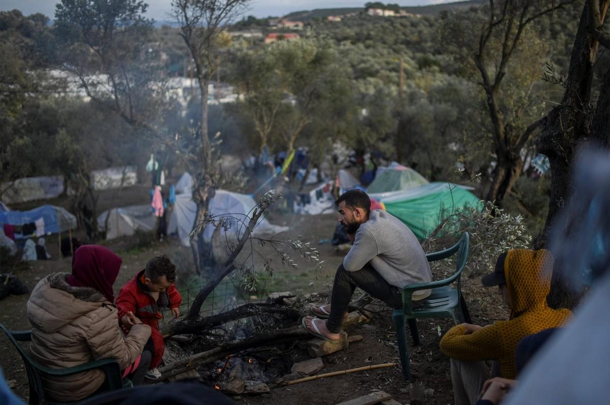 Жизнь мигрантов в греческом импровизированном лагере