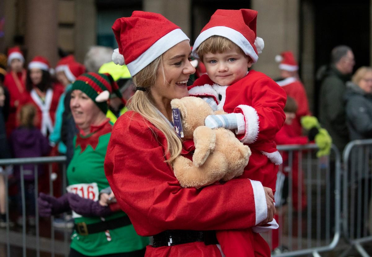 Ежегодный Рождественский пробег Санта-Клаусов 2019