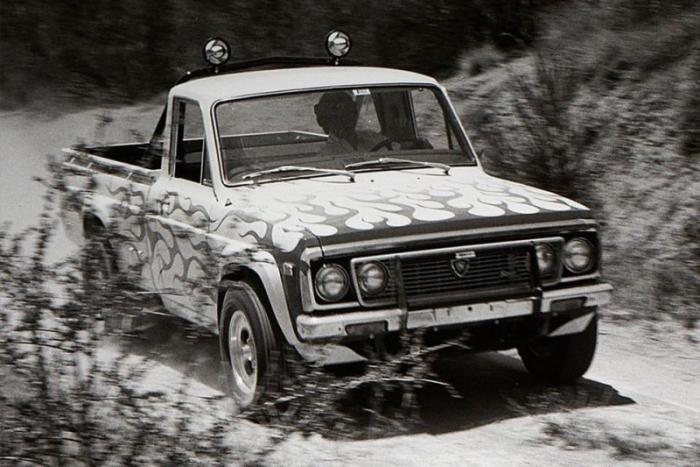 Пикап Mazda Rotary Pickup с роторно-поршневым двигателем