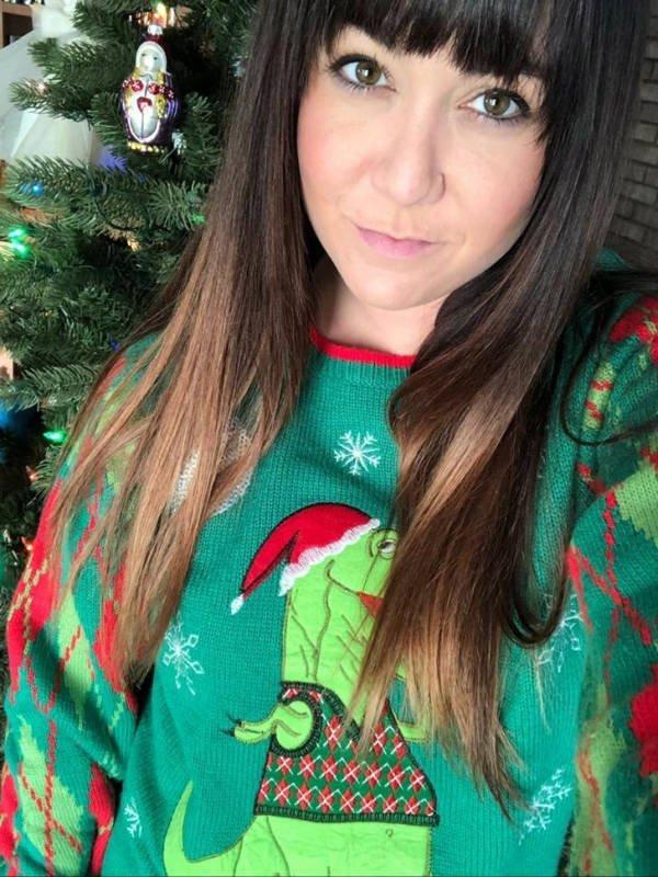 Странные и смешные рождественские свитеры