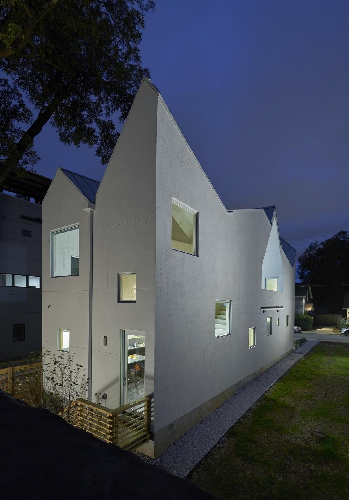 Частный дом с асимметричной крышей в Атланте