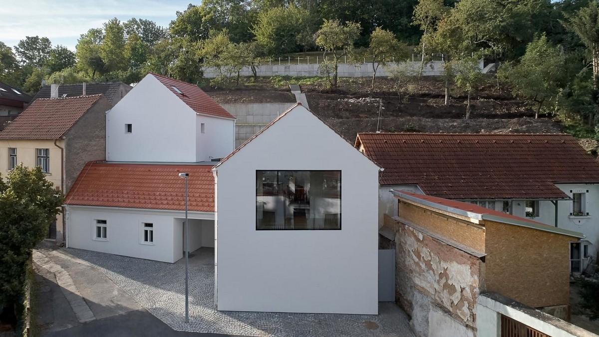 Старые дома в Праге превратили в уютную резиденцию