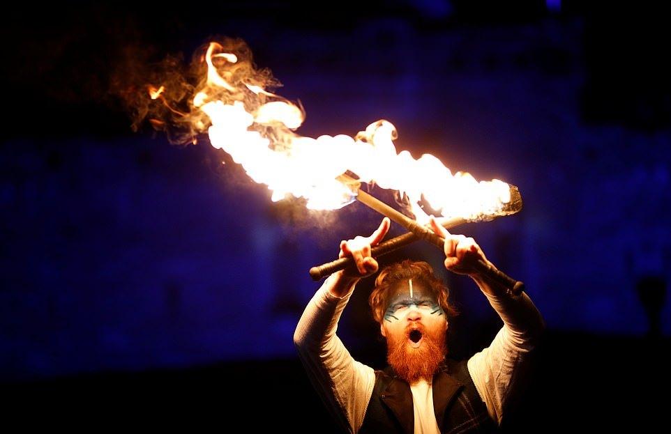 Шотландский праздник Хогманай в Эдинбурге