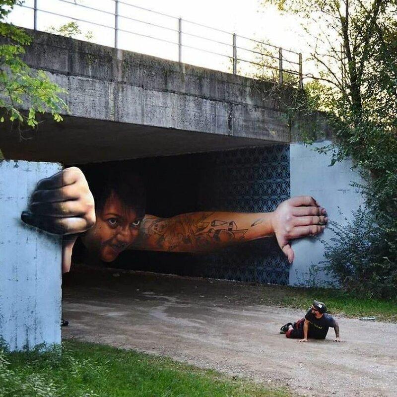 Итальянский стрит-арт художник вписывает 3D-картины в уличную среду
