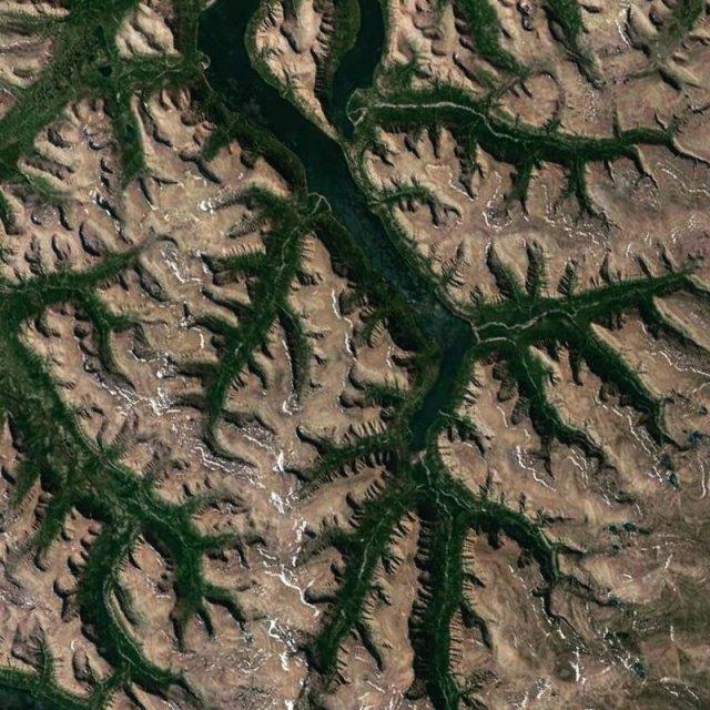 Интересные объекты и ландшафты с Google Maps