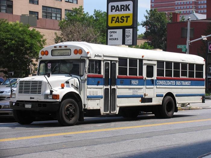 Для чего нужна желтая веревка в автобусах США