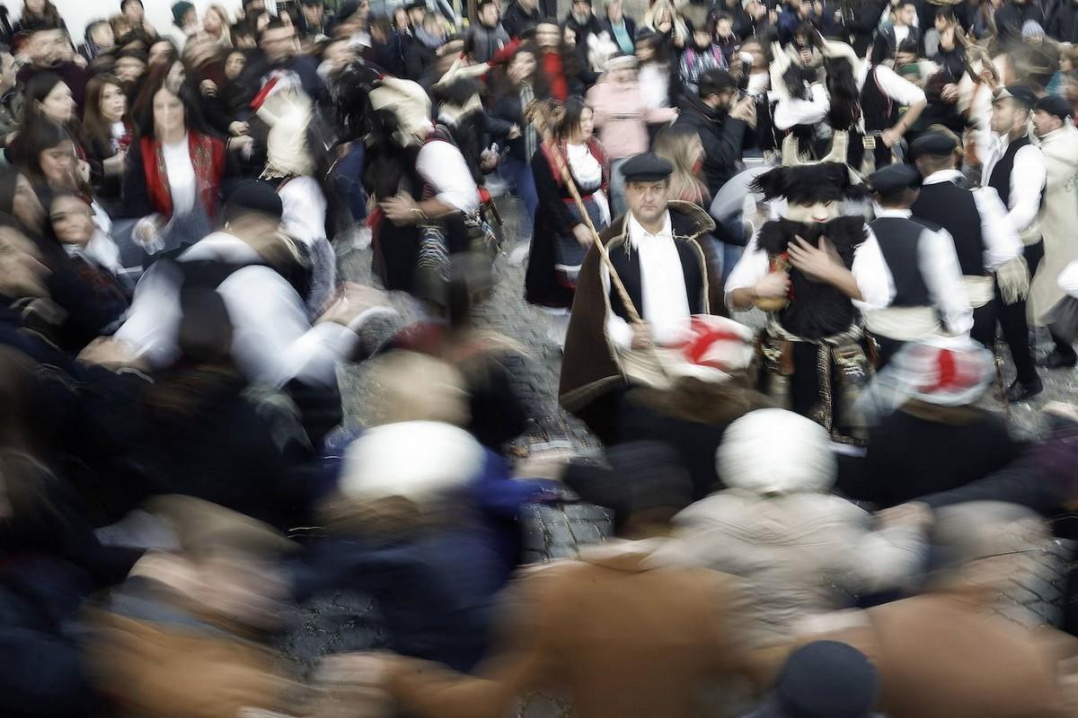 Как в Греции отгоняли злых духов и пробуждали весну