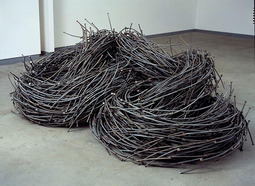Удивительные скульптуры из гвоздей