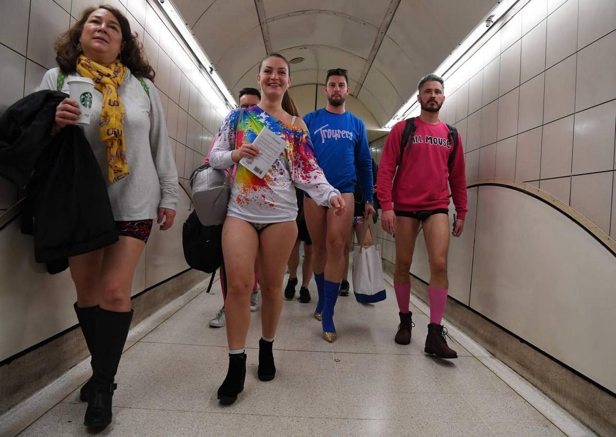 Ежегодная международная акция В метро без штанов 2020