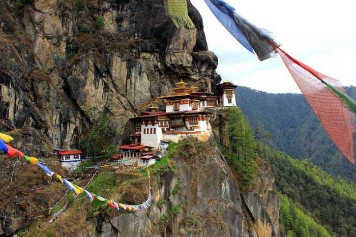 Самые труднодоступные монастыри мира
