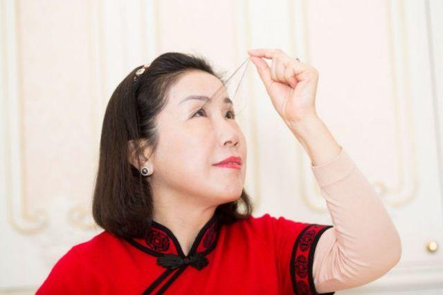 Китаянка с самыми длинными ресницами попала в Книгу рекордов Гиннесса