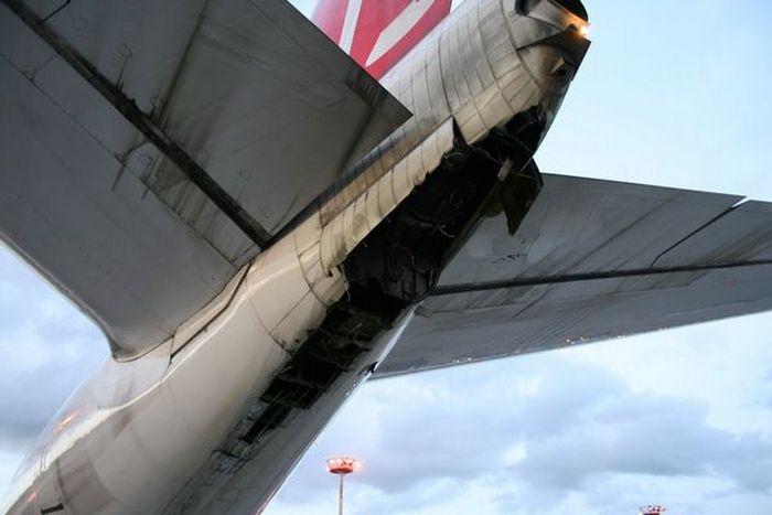 Почему самолеты периодически задевают взлетную полосу хвостом