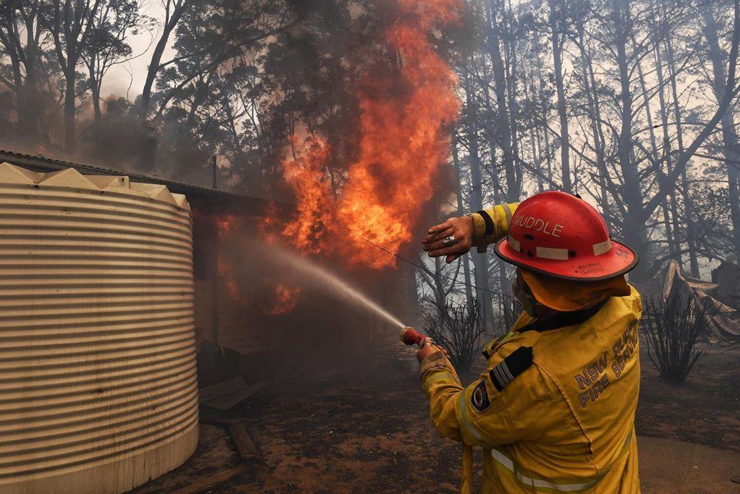 Фотограф Ник Мойр документирует лесные пожары Австралии