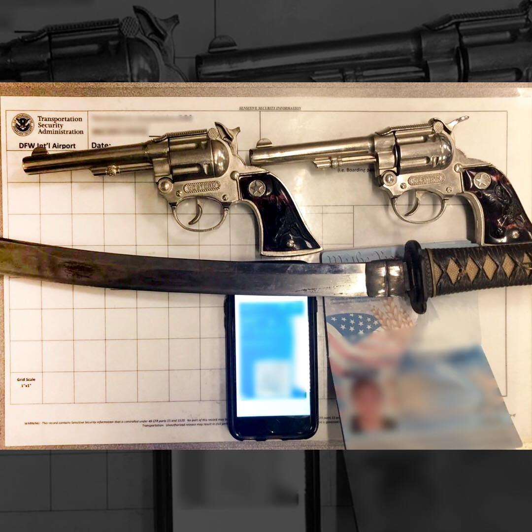 Транспортная полиция США показала в Instagram изъятые вещи