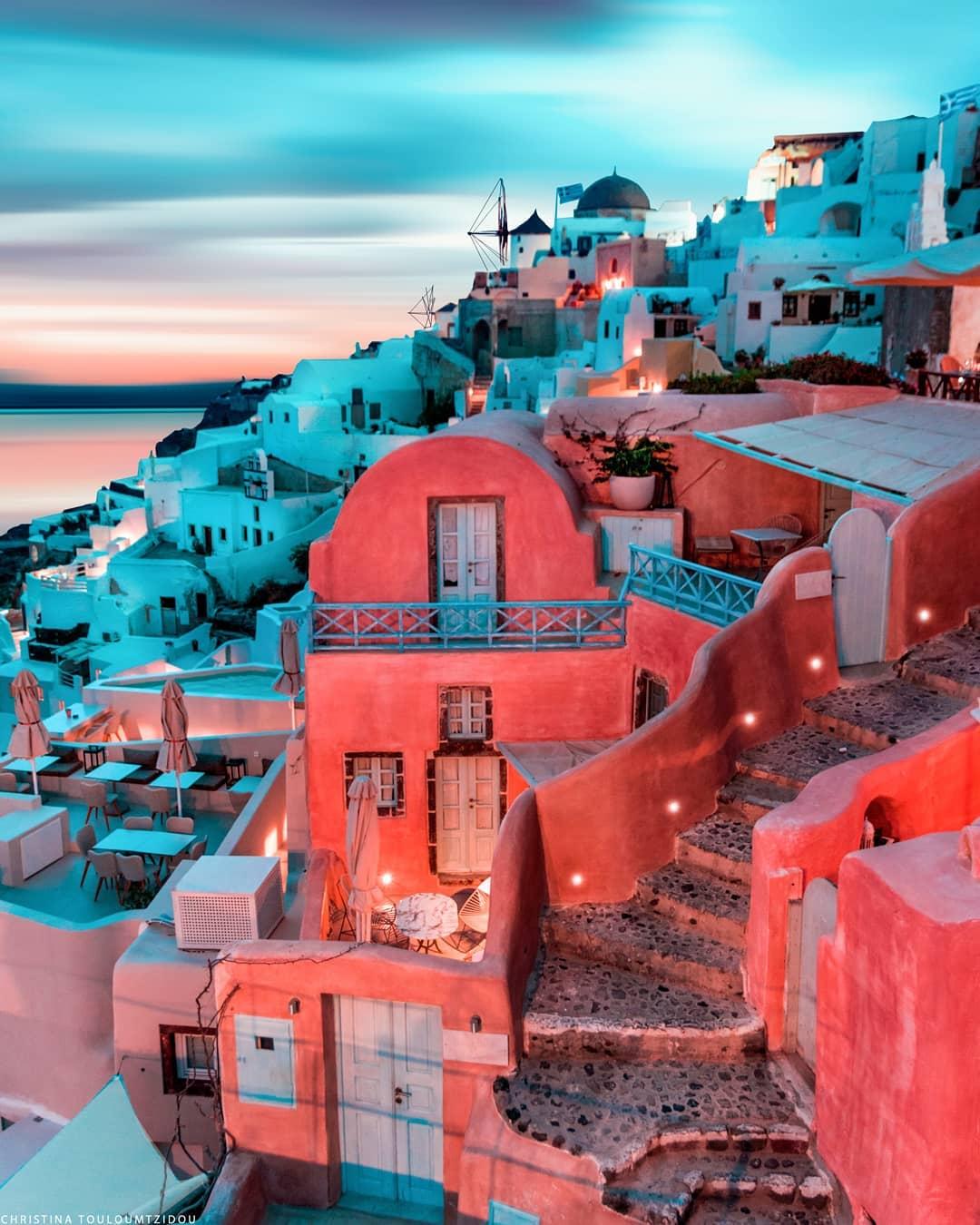 Улицы Греции на снимках Кристины Тулумтзиду