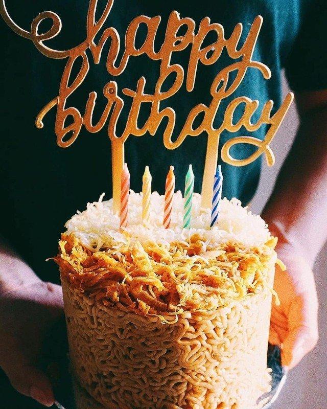 Крутые торты из индонезийской лапши
