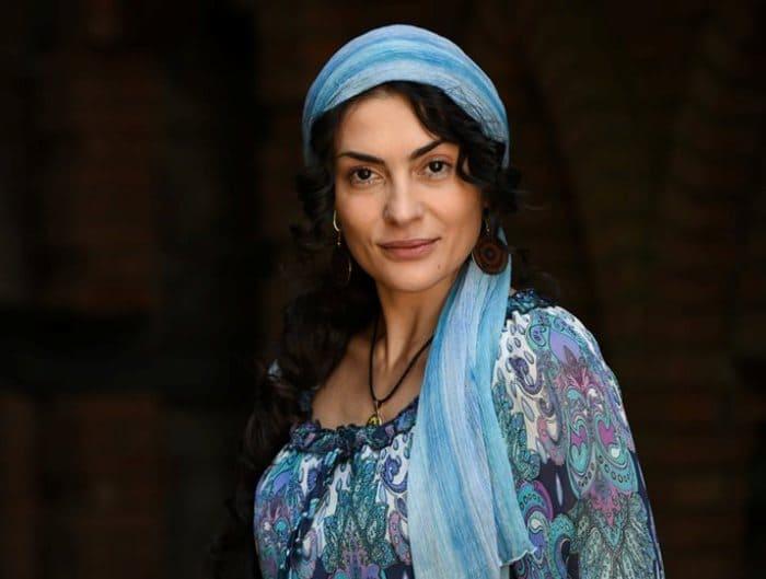 Современные российские актрисы с цыганскими корнями