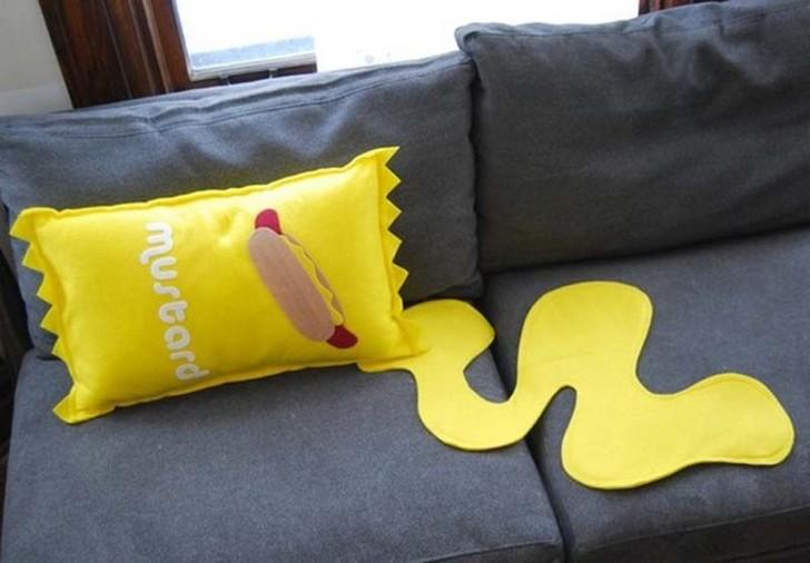 Странные и забавные подушки для сладкого сна