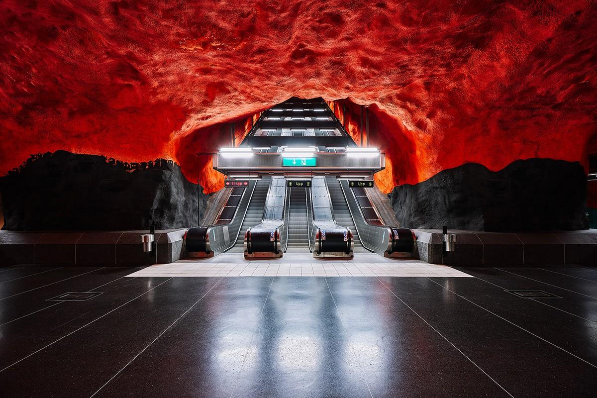 Красота метрополитена Стокгольма на снимках Давида Альтрата