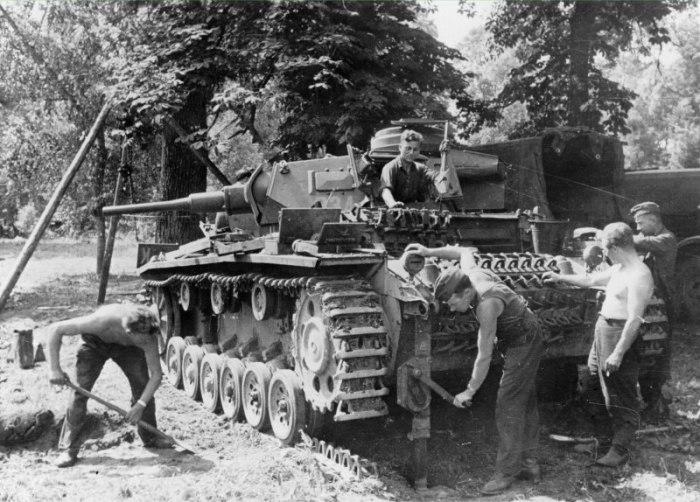 Для чего у некоторых немецких Пантер была ребристая броня