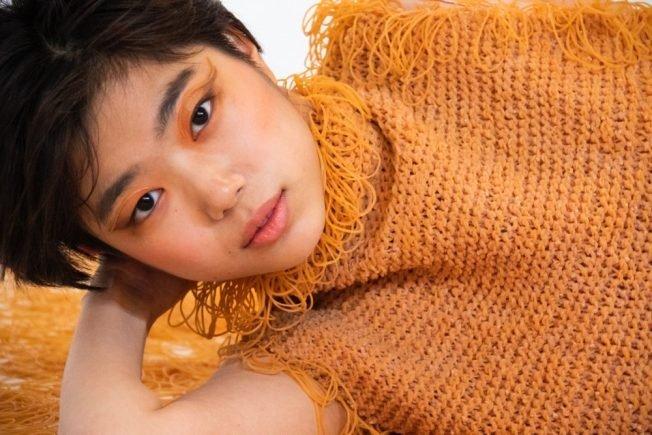 Одежда из резинок от японской студентки университета искусств