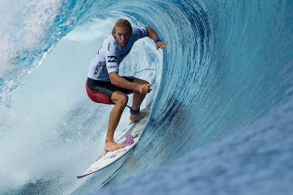 Серфинг и люди, которые находятся на гребне волны (ФОТО)