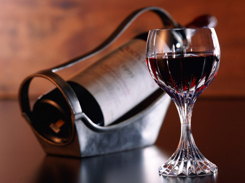 О пользе красного вина для психики человека