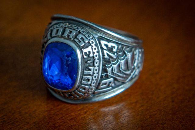 Потерянное 47 лет назад в США кольцо нашлось в финском лесу