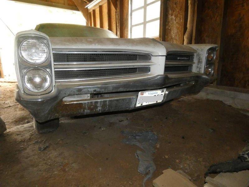 Pontiac Catalina 1966 года нашли в сарае
