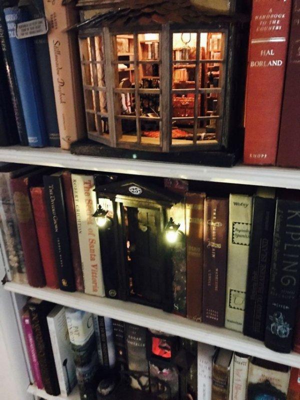 Вставки на книжных полках