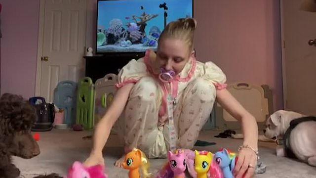25-летняя памперс-леди с очень странным фетишем