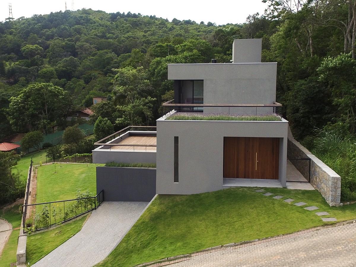 Проект семейного дома на холме в Бразилии