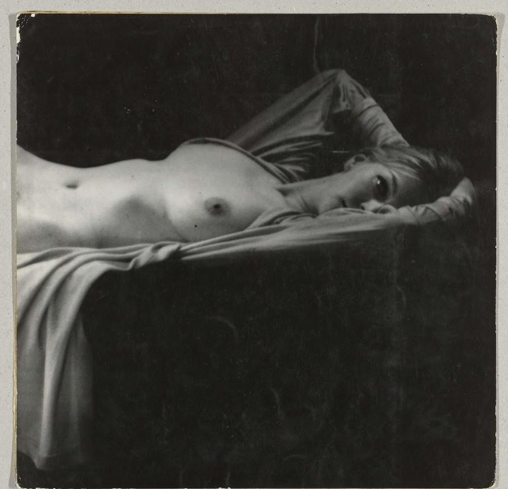 Чарующие снимки женщин 1960-х годов от Санне Саннеса