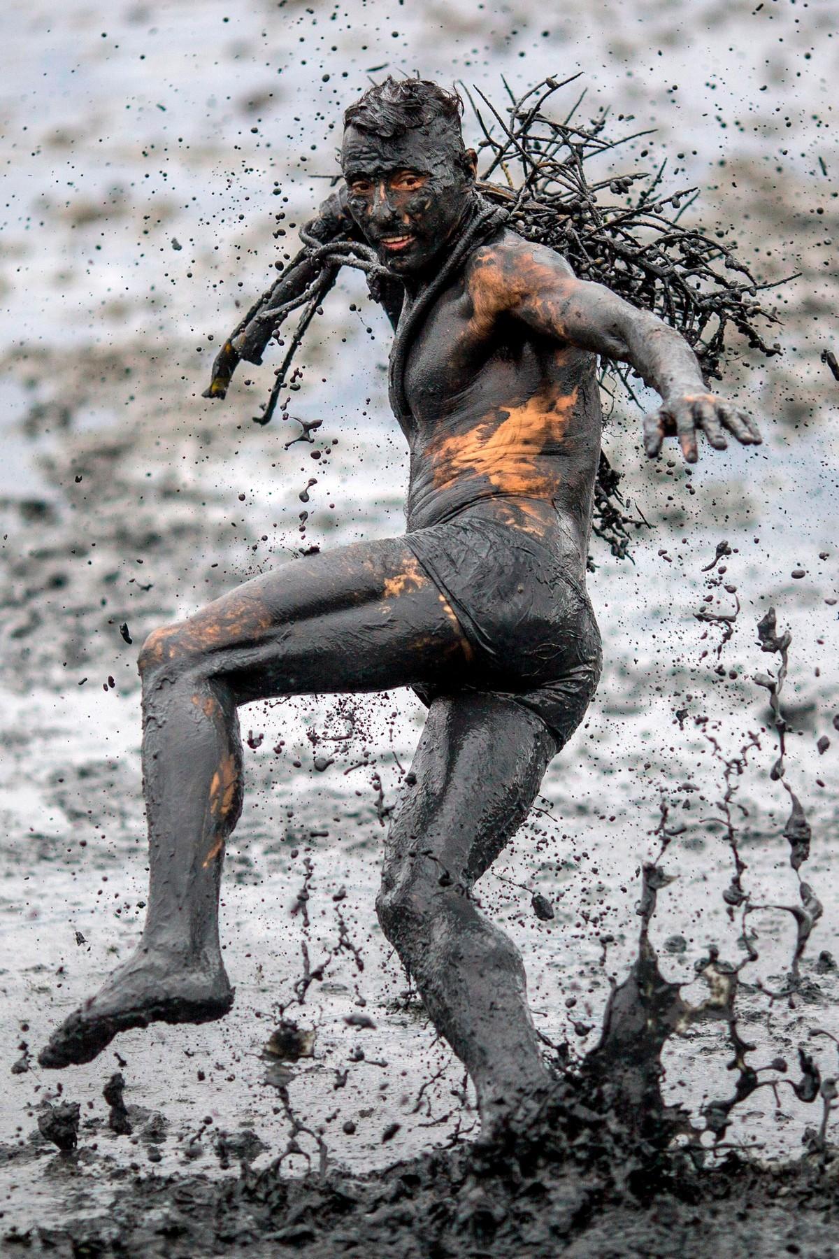 Вечеринка грязи в Бразилии