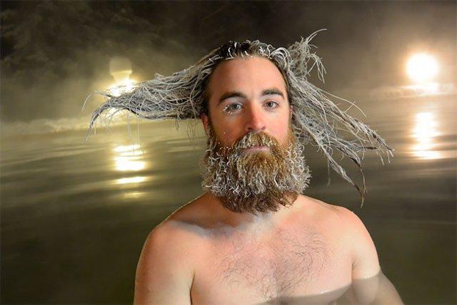 Конкурс замороженных волос на горячих источниках курорта Тахини