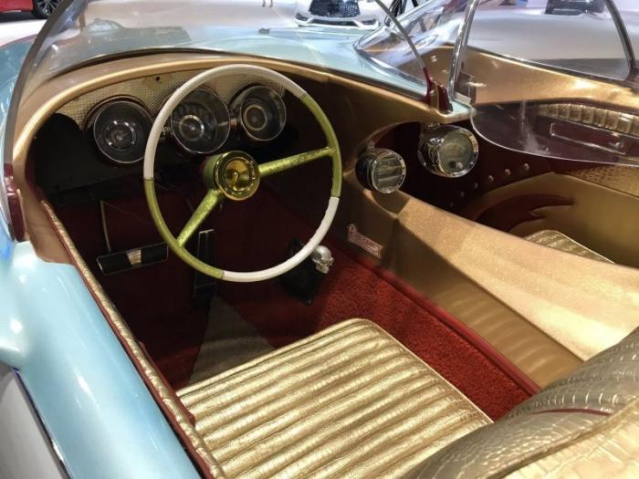 Ледяная принцесса — шестиколесный симбиоз Cadillac и Studebaker