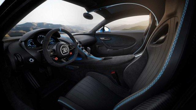 Очень дорогой автомобиль Chiron Pur Sport для роскошной жизни